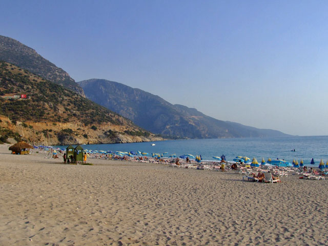 Hisaronu is situated away from the crowded beach resorts of the Turquoise Coast, but is still within easy driving distance of beach gems like Oludeniz